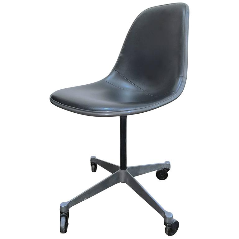 Amazing Rolling Desk Chair Rolling Desk Chair Charles Eames For Herman Miller At 1stdibs