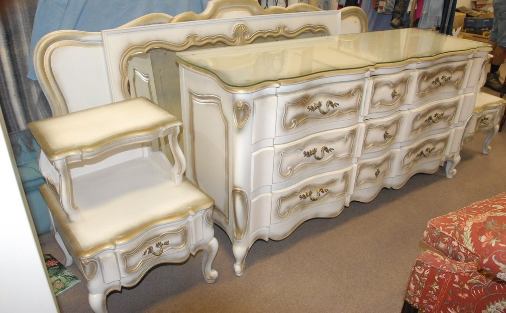 Attractive French Provincial Bedroom Set Choose French Provincial Bedroom Furniture Wood Furniture