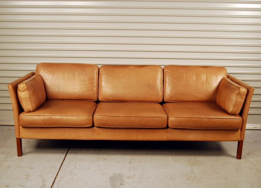 Attractive Light Tan Leather Sofa Photos Of Light Tan Leather Sofas Showing 8 Of 20 Photos