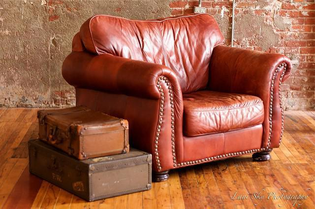 Awesome Big Comfy Leather Chair Finding Big Comfy Chair Tips Home Decor Chairs