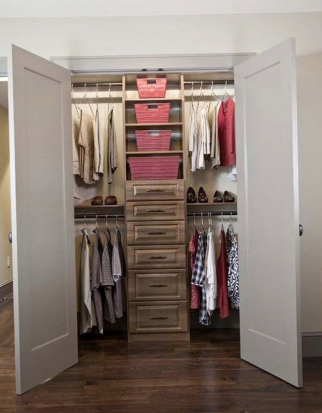 Awesome Small Walk In Closet Layout Bandbsnestinteriors Accent Wall Ideas Than Small Walk In