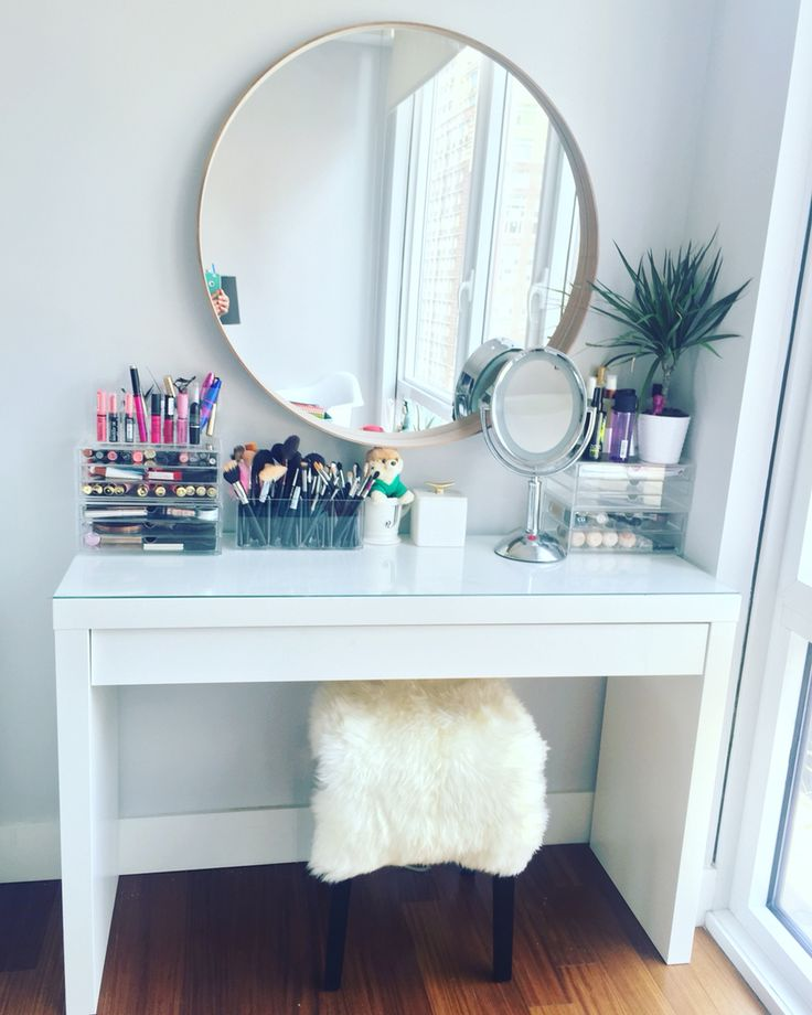 Awesome Vanity Makeup Desk With Mirror Best 25 Makeup Table With Mirror Ideas On Pinterest Makeup