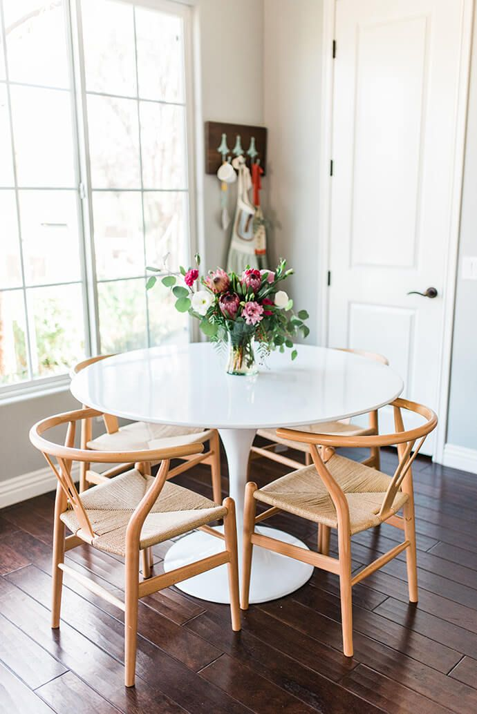 Awesome White Round Kitchen Table Best 25 Ikea Round Table Ideas On Pinterest Ikea Round Dining