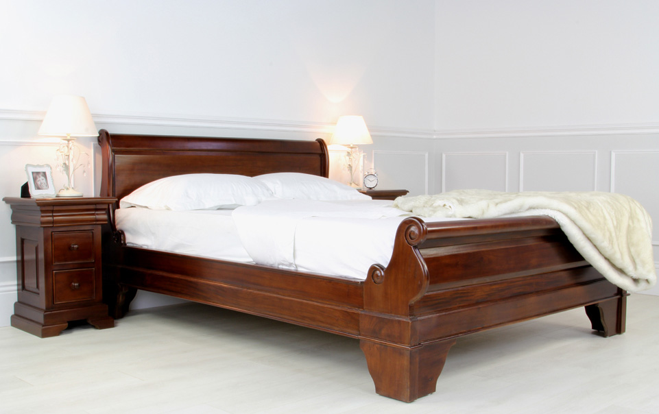 Beautiful King Size Sleigh Bed With Mattress Sleigh Bed King For A Traditional Style Home Design Blog