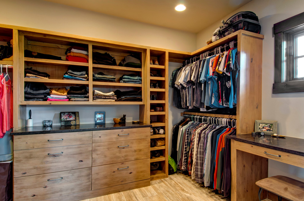 Beautiful Small Walk In Closet Layout 100 Stylish And Exciting Walk In Closet Design Ideas Digsdigs