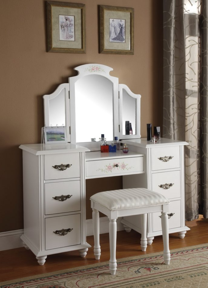 Beautiful Small White Bedroom Vanity Bedroom Small White Bedroom Vanity Set With Storage And Tri Fold