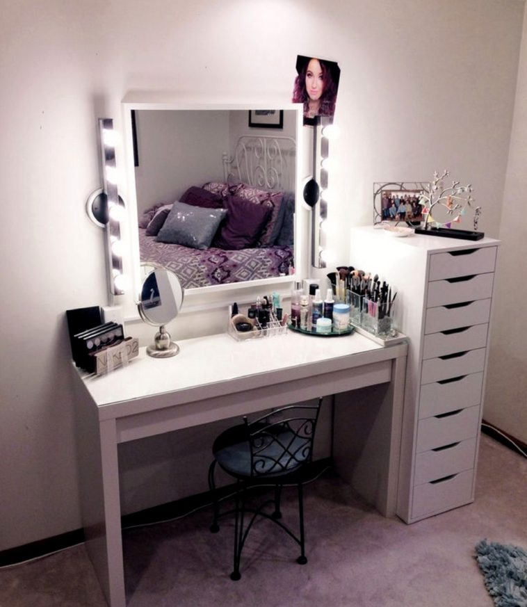Beautiful Small White Bedroom Vanity Furniture White Small Bedroom Vanity Desk With Appealing Lighting
