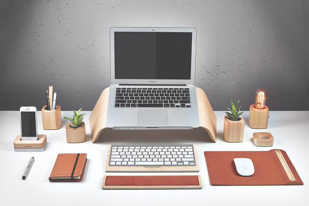 Beautiful Tech Desk Setup 12 Must Have Gadgets For Your New College Dorm