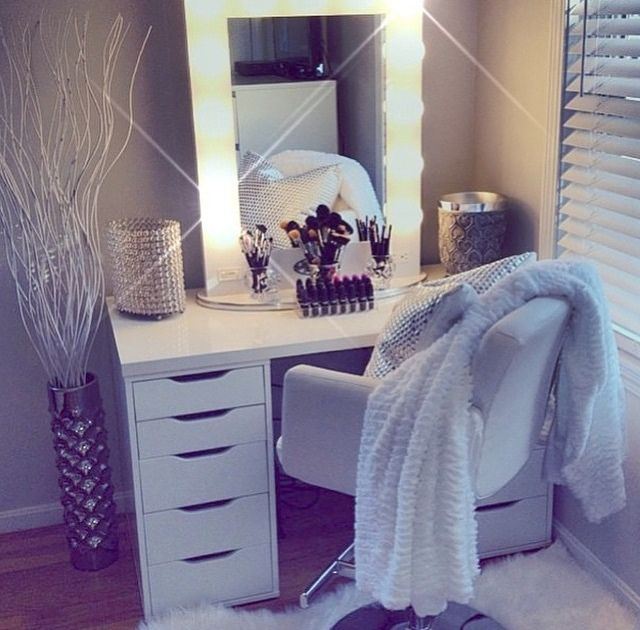 Beautiful White Vanity Dressing Table With Mirror Best 25 White Vanity Table Ideas On Pinterest White Makeup