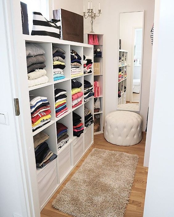 Best Small Walk In Closet Design 20 Incredible Small Walk In Closet Ideas Makeovers The Happy