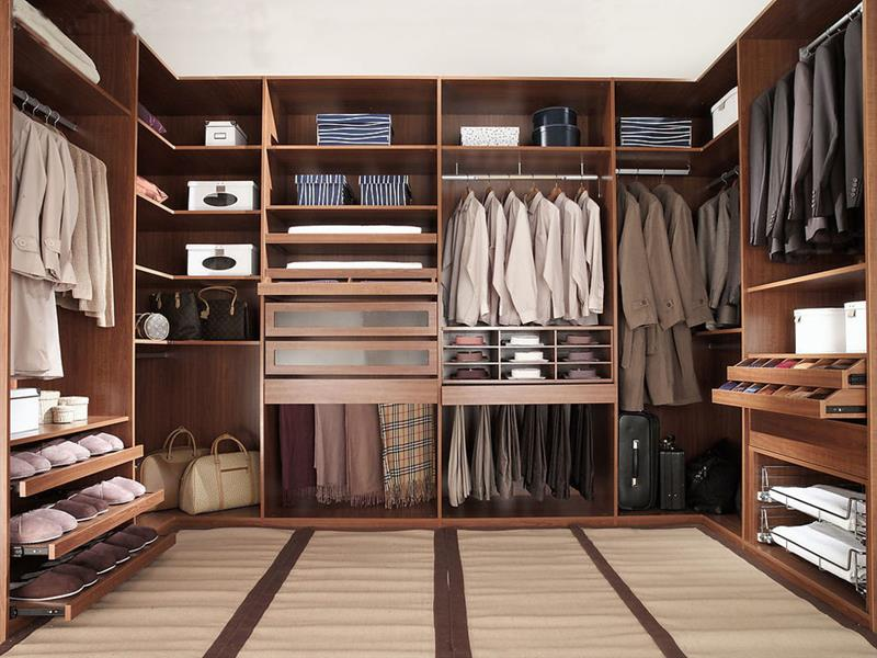 Best Small Walk In Closet Layout 24 Jaw Dropping Walk In Closet Designs