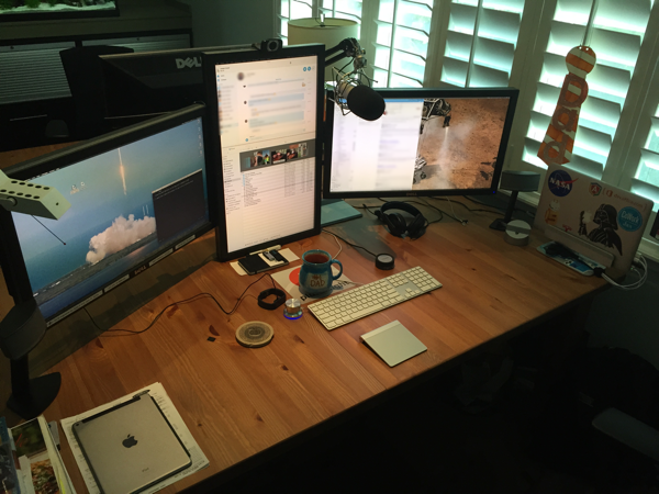 Brilliant Dual Monitor Office Setup Andrew Connell Traveling Dual Monitors On The Road With A
