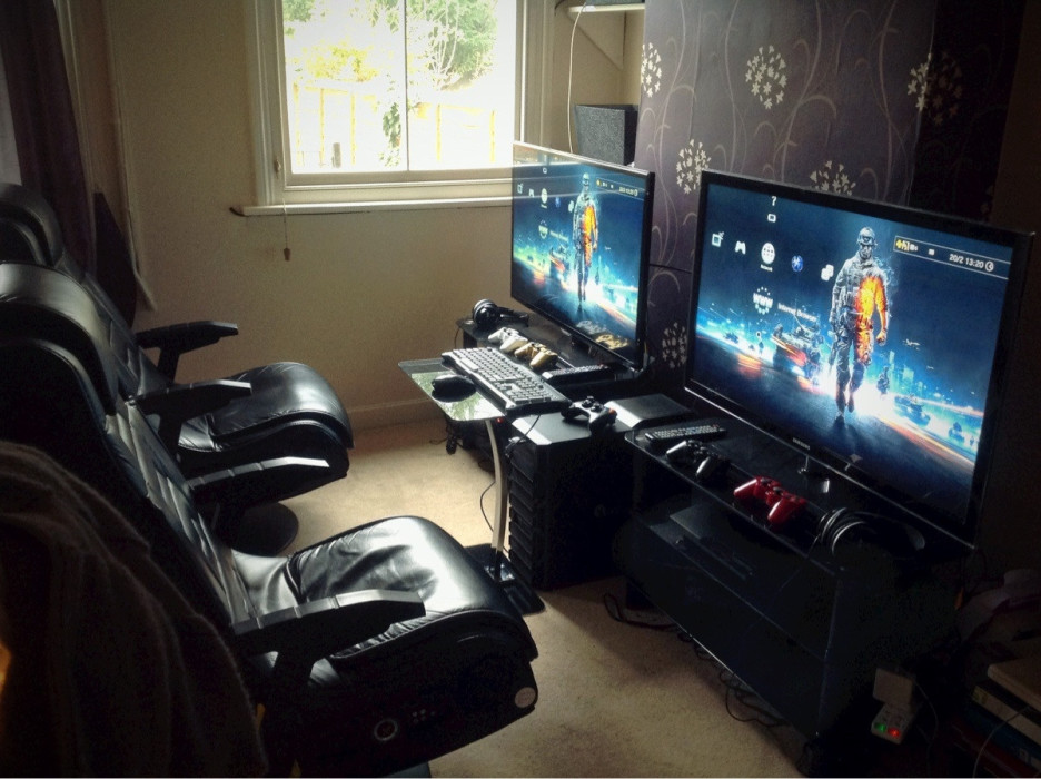 Chic Awesome Computer Setups Interior Cool Computer Desk Setup For Gamers With Black Table For