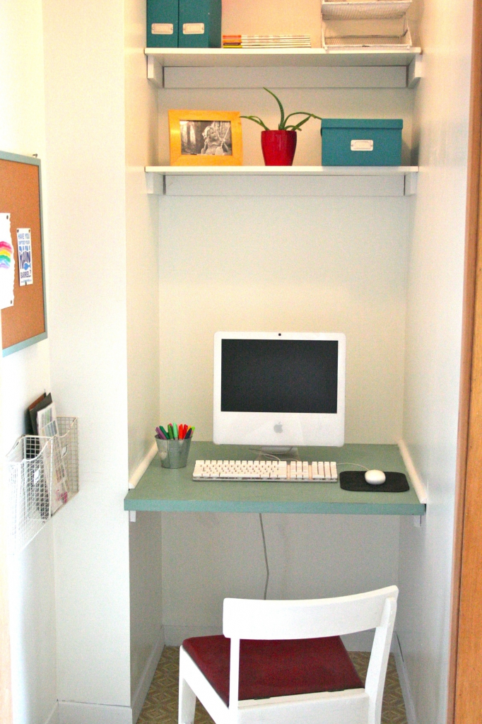Chic Computer Desk Ideas For Small Spaces Small Space Computer Desk Ideas Small Space Computer Desk Ideas