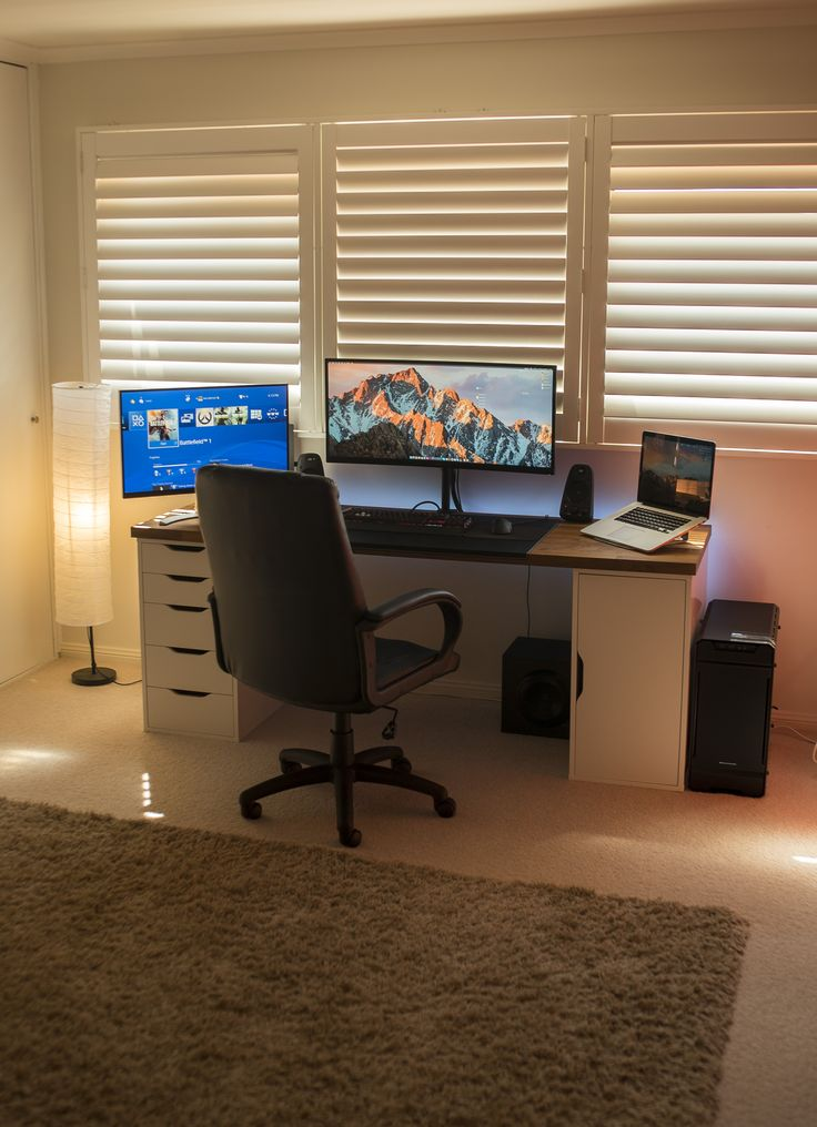 Chic Glass Desk Setup Best 25 Desk Setup Ideas On Pinterest Computer Setup Pc Gaming