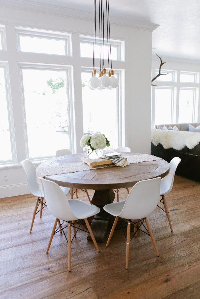 Chic Modern Round Kitchen Table Best 25 Round Kitchen Tables Ideas On Pinterest Round Dining