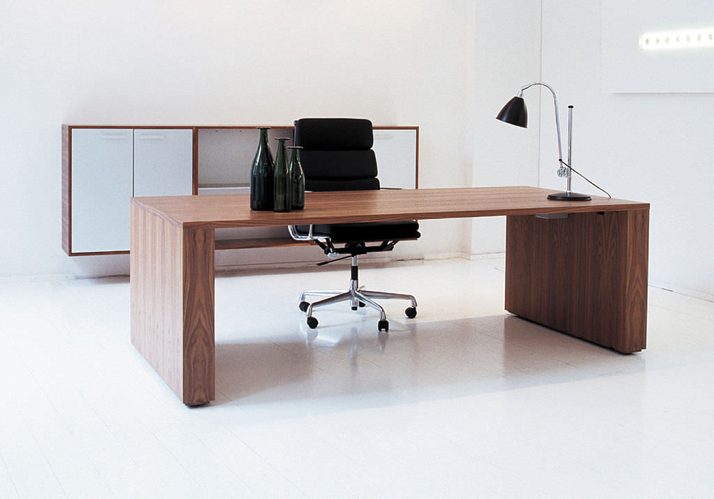Chic Simple Office Desk Contemporary Office Desk Magnificent For Your Office Desk Remodel