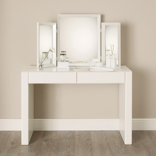 Chic Small White Makeup Table Elegant Makeup Vanity Table Australia With Vanity Dressing Table
