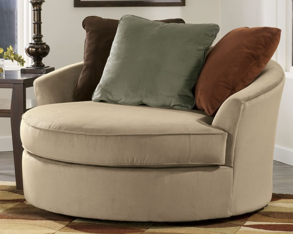 Chic Swivel Chairs For Living Room Living Room Ideas Swivel Chair Living Room Round Cream