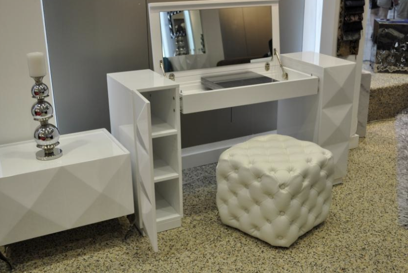 Chic White Makeup Vanity With Storage Pretty White Modern Makeup Vanity 11 Cheap Ikea Drawers Vanities