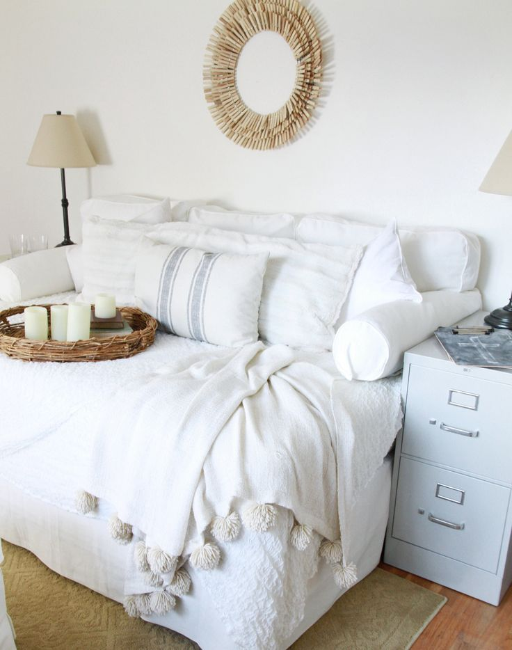 Creative of Places To Get Beds Best 25 Bed Couch Ideas On Pinterest Pallet Daybed Dorm Color