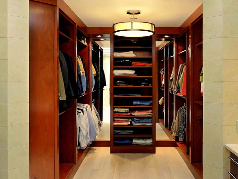 Elegant Small Walk In Closet Design Walk In Closet Design Small Space Roselawnlutheran