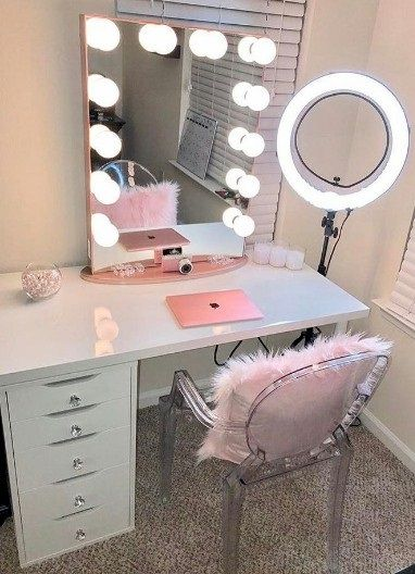 Elegant Vanity Makeup Desk With Mirror Best 25 Makeup Vanity Desk Ideas On Pinterest Vanity Area