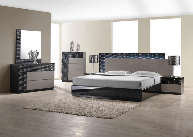 Fabulous Gray Bedroom Furniture Sets Stylish Eye Catching Bedroom Set With Black And Gray Lacquer