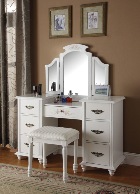 Great Bedroom Dresser With Mirror Torian White Vanity Set With Tri Fold Mirror Traditional In