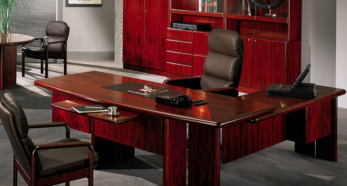 Great Expensive Office Desk Change The Atmosphere With Exclusive Office Desk Finding Desk