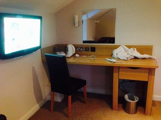 Great Good Desk Size Tv And Desk Good Size Tv Picture Of The Eaton Hotel Birmingham