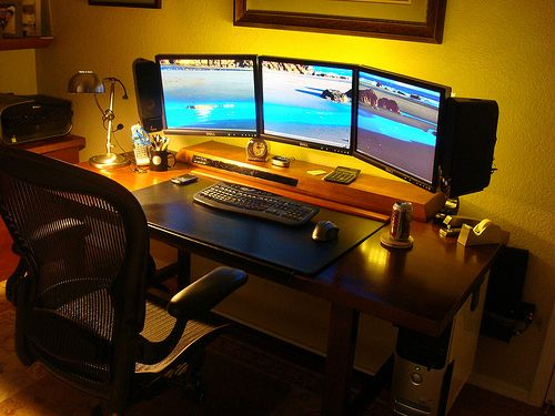 Great Multi Screen Desk 8 Best Multi Monitor Images On Pinterest Monitor Desks And Screens