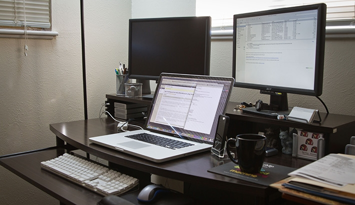 Impressive Laptop And Monitor Desk Setup Tips For Setting Up Your Home Office Without Breaking The Bank