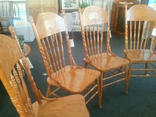 Impressive Used Dining Chairs Lightly Used Oak Dining Chairs Cherry Pickins Home Furnishings