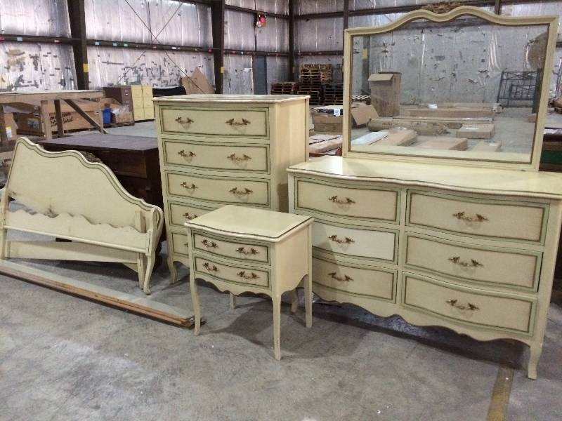 Incredible French Provincial Bedroom Set Six Piece Vintage Drexel French Provincial Bedroom Set St Cloud