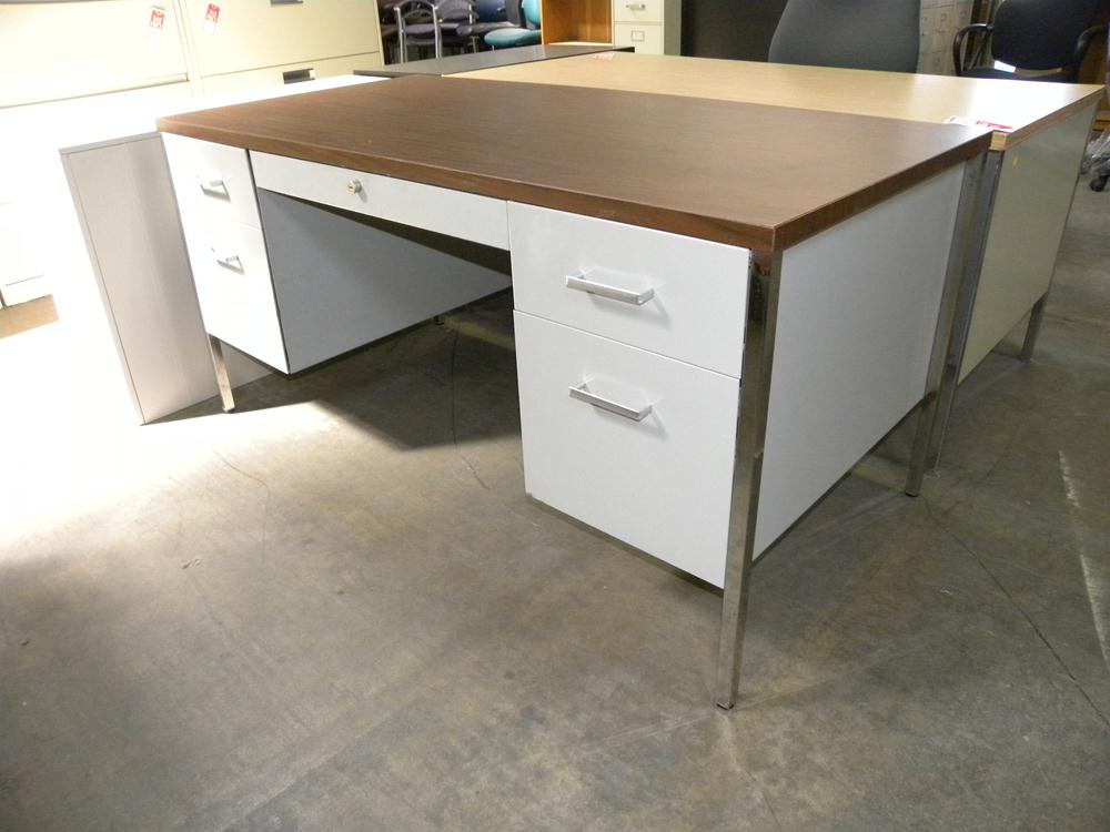 Incredible Laminate Desk Tops Steelcase 30x60 Metal Desk With Double Pedestals And Laminate