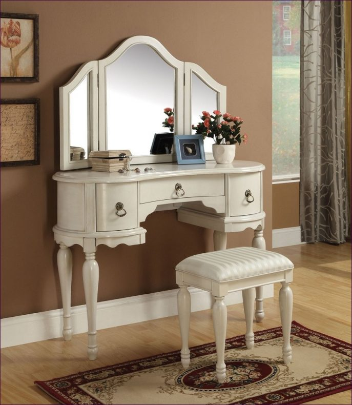 Innovative Small White Bedroom Vanity Bedroom Marvelous Vanity Dresser With Lights Small Bedroom