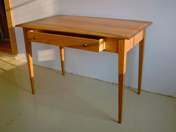 Lovable Small Table Desk Small Laptop Table Desk Photo Review And Photo