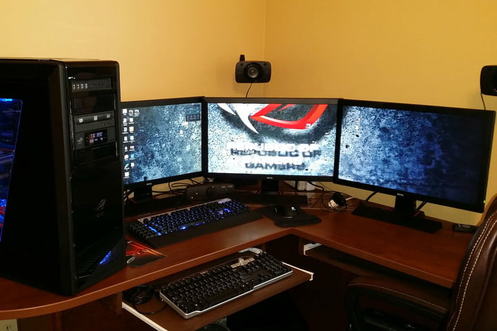 Nice Desk For Monitors How To Set Up Multiple Monitors For Pc Gaming Digital Trends