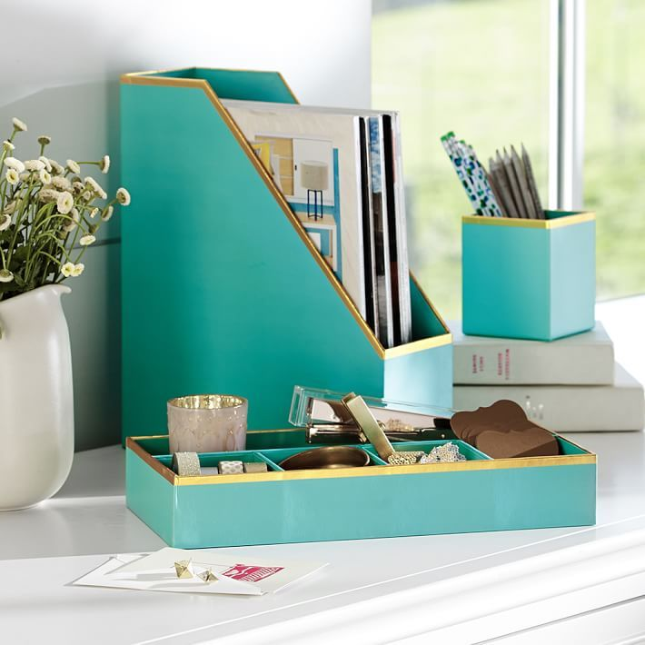 Nice Office Desk Set Best 25 Office Desk Accessories Ideas On Pinterest Chic Cubicle