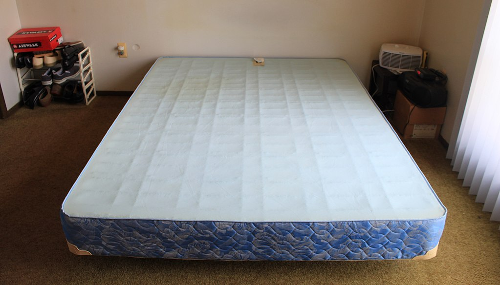 Stylish Queen Size Box Frame Filebassett Queen Size Box Spring On Metal Bed Frame