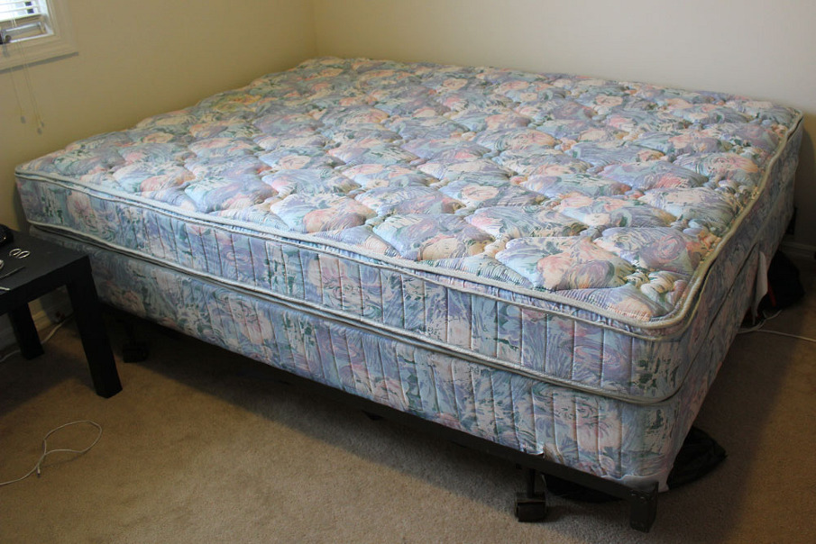 Unique Queen Size Bed Frame And Mattress Queen Size Bed Box Spring Frame 250 Stuff For Sale